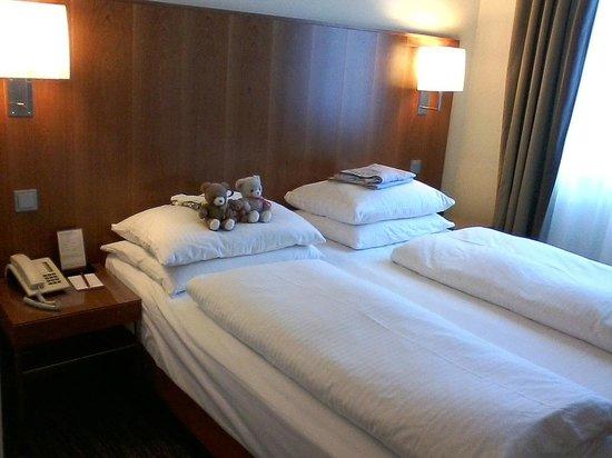 K+K Hotel am Harras Suite Schlafraum
