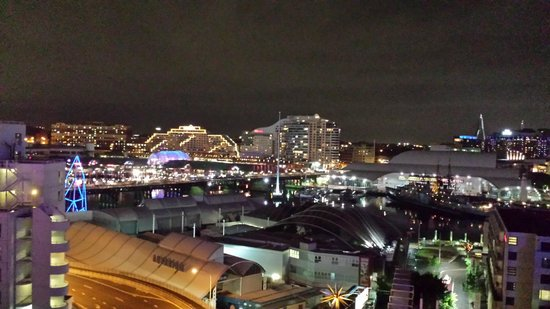Metro Apartments On Darling Harbour : Night View