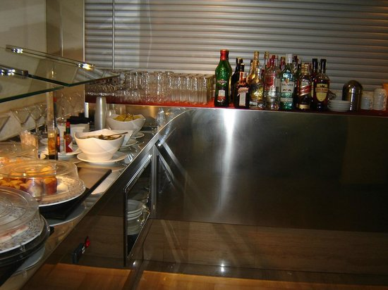 Sandos Monaco Beach Hotel & Spa: This was the bar if you were booked in on the select package.