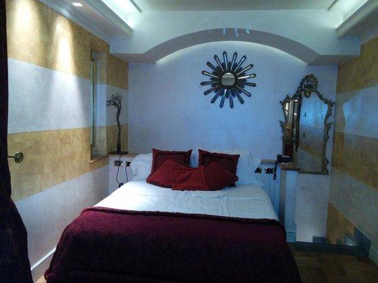 Hotel San Anselmo: room