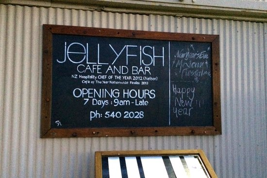 Jellyfish Cafe and Bar : Sign