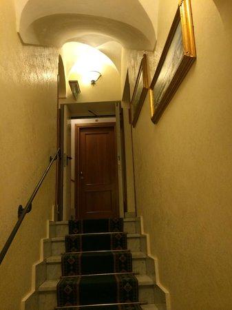 Amalfi Hotel: Trappa till andra våningen