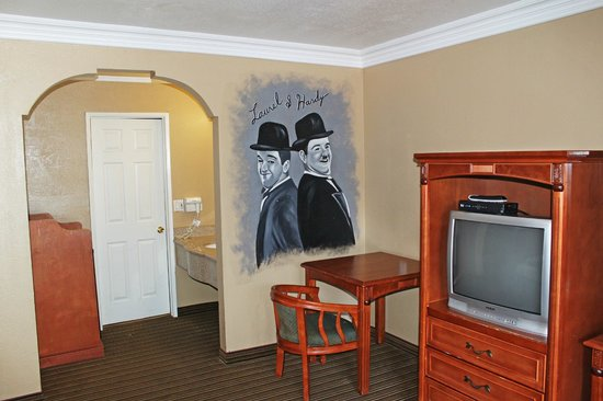 Hollywood Inn Express North : Personalized Rooms