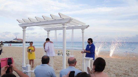 Playacar Palace: Wedding on the beach