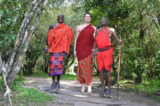Naibor Camp: The three jumping Maasai