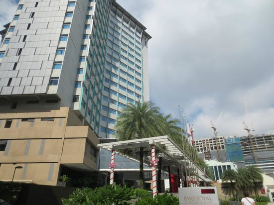 PARKROYAL on Kitchener Road : Hotel frontal view