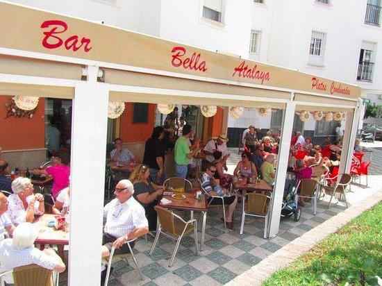 Bella Atalaya Bar Cafeteria: Al solecito