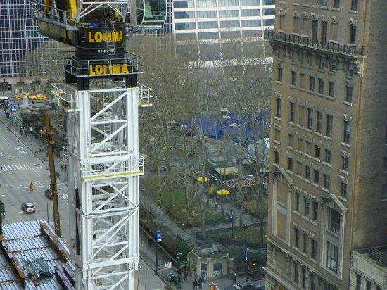 Residence Inn New York Manhattan/Times Square: A zoom of Bryant Park