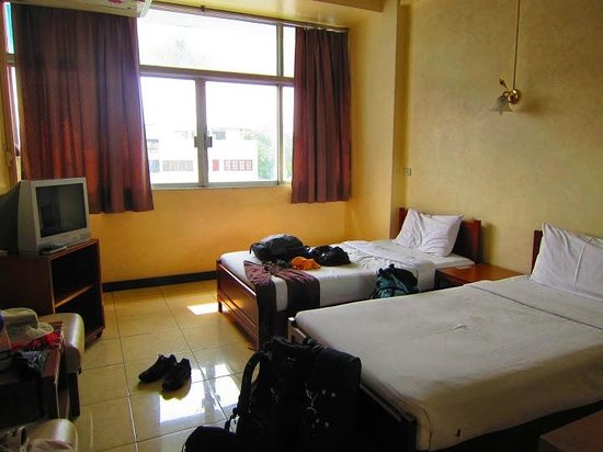 Tapee Hotel: Our room on the 3rd floor (room 314)