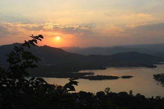 Travel N Tours India : Udaipur - Por do Sol