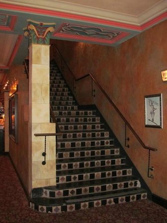 Polk Theatre : Stairs to balcony
