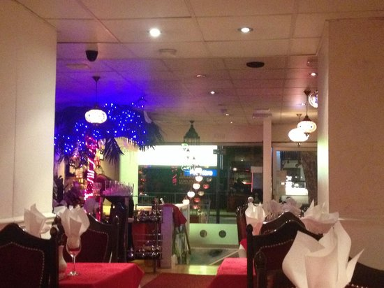 Lal Qila Indian Restaurant: Very cosy and welcoming atmosphere
