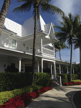Tranquility Bay Beach House Resort: Main building