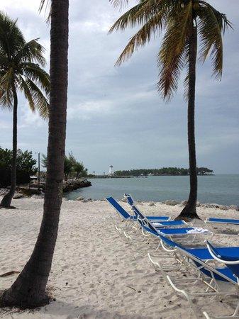 Tranquility Bay Beach House Resort: Smaller beach area near the Tiki Bar