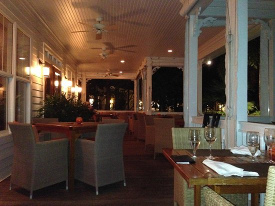 Tranquility Bay Beach House Resort: Outdoor seating at The Butterfly Cafe