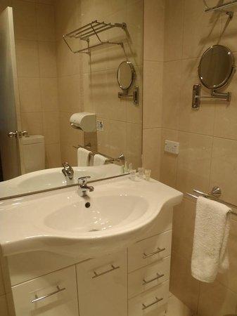 The Manna of Hahndorf: Modern bathroom amenities