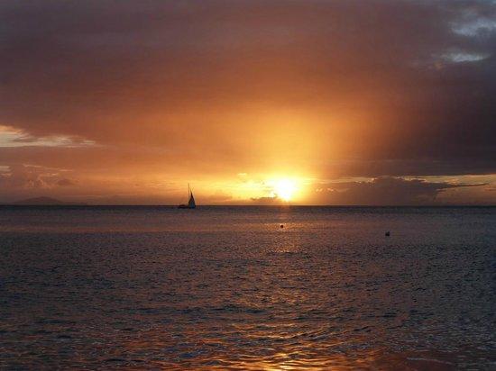 Jacqui O's BeachHouse: Sunset from the bar area