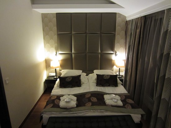 Continental Hotel Budapest : Comfy bed