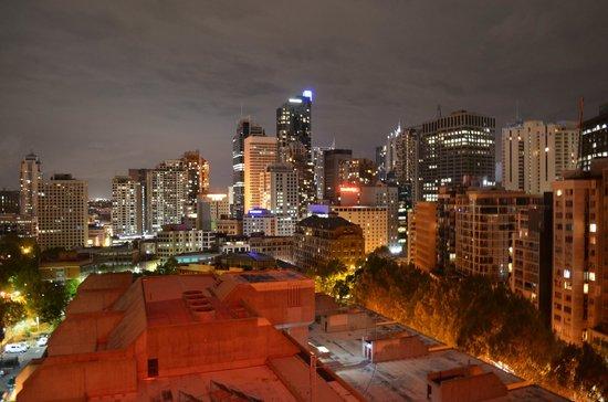 Cambridge Hotel Sydney : 13th Floor View
