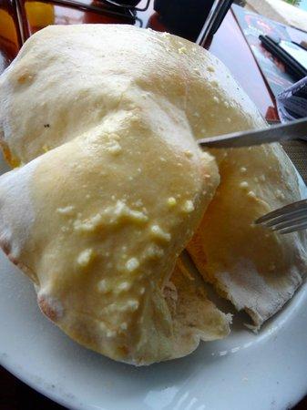 Rolandi's : Garlic Bread