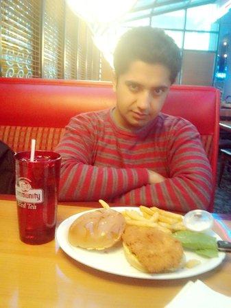 @ Metro Cafe Diner