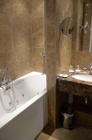 Hotel Prinsenhof Bruges : Prinsenhof Bathroom