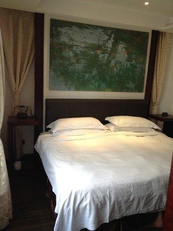 Gallery Suites: bedroom