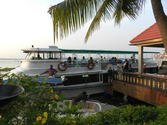 Taj Malabar Resort & Spa Cochin : Sunset cruise