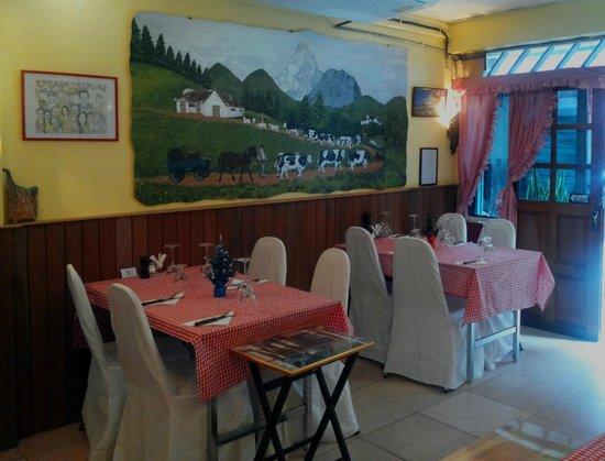 Le Chalet Suisse : Restaurant 2