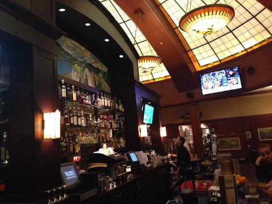 McCormick & Schmick's Grill : The Bar!
