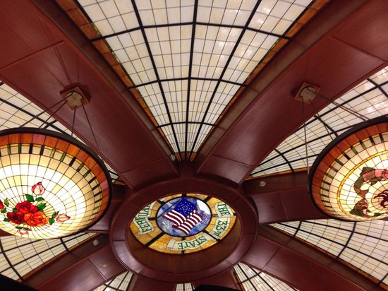 McCormick & Schmick's Grill : Dome Ceiling