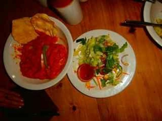 Settler's Restaurant: Sweet potato curry and caesar salad