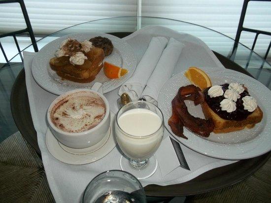 Old Rock Church Bed & Breakfast: Breakfast