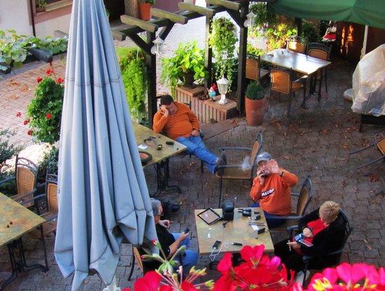 Schmärrnche Restaurant-Gästehaus: Patio