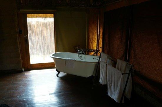 Camp Shawu: Bathroom