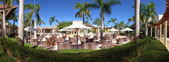 Secrets Royal Beach Punta Cana: Visão da entrada do resort