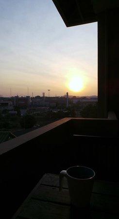 Citin Garden Resort: sunrise from the balcony