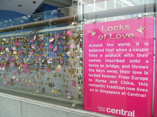Clarke Quay : Locks of Love