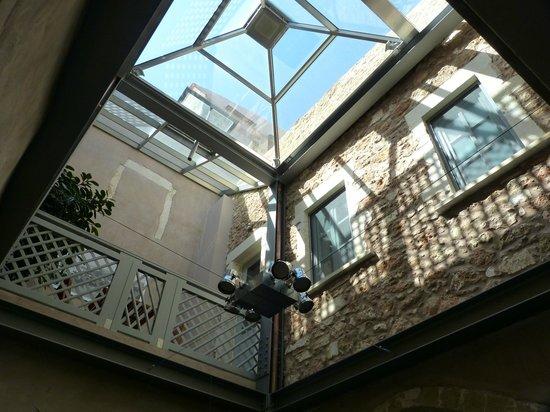 Fatma Hanoum Boutique Hotel: Lobby atrium