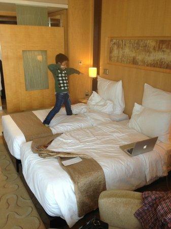 Le Royal Meridien Shanghai: Double beds.
