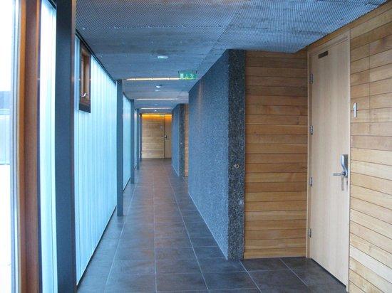 Silica Hotel: Hotel corridor