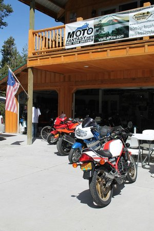 DiamondStone Guest Lodges: Some of the motorcycles at MotoFantasy