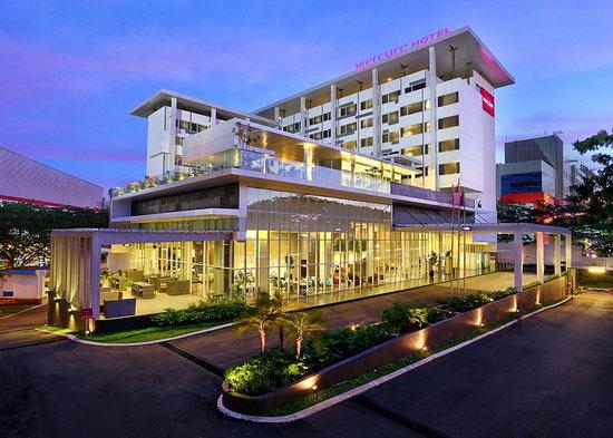 facade - 5 Hotel Favorit di Tangerang Selatan Buat Staycation Mulai Rp300 Ribuan