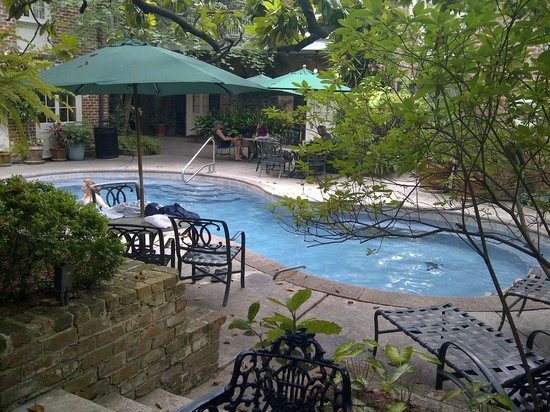 Place d'Armes Hotel : Pool
