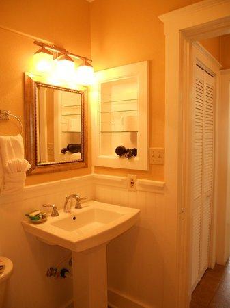 Eldorado Suites Hotel : Bath