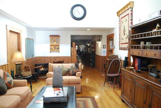 Little Main Street Inn: What you see walking inn