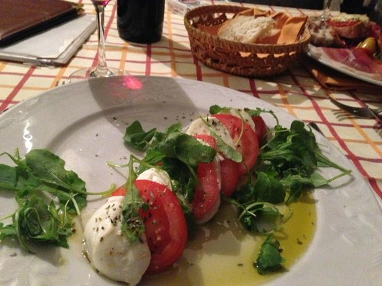 Castellare De' Noveschi: Caprese Salad at Trattorie 30 seconds walk away