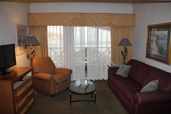San Luis Bay Inn: Living Room