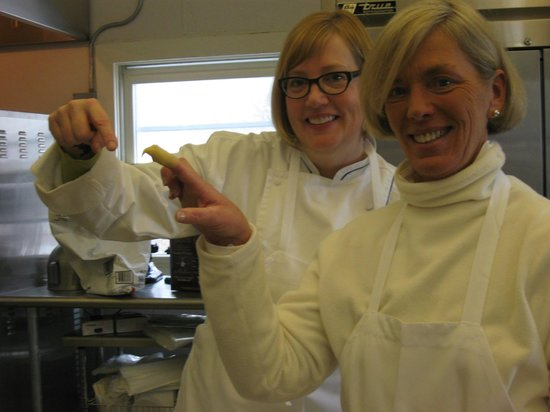 The Little French Bakery: Susan teaching me how to find the  right consistence