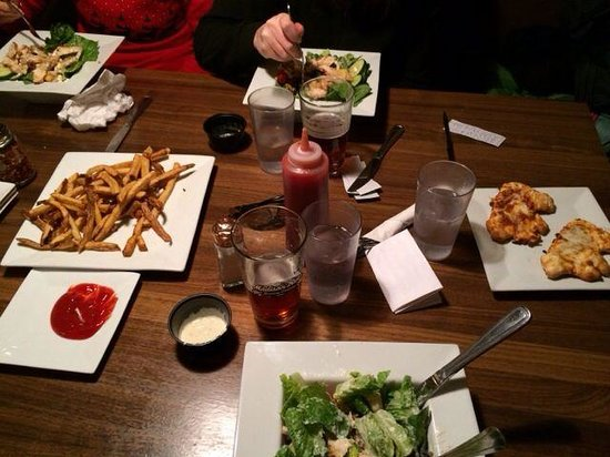Slippery Otter Pub: Kids pizzas & good salad options.  Idaho fries were a hit too!